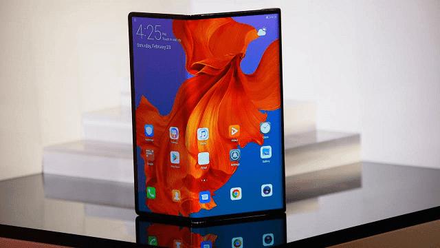 huawei merilis ponsel lipat pertama di dunia yaitu huawei mate x