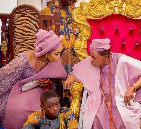 After viral rumours of her leaving the palace, Queen Ola gushes over her husband, Alaafin of Oyo