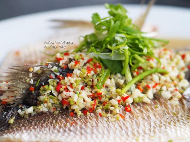 Steamed Sea Bass (Siakap) Thai Style