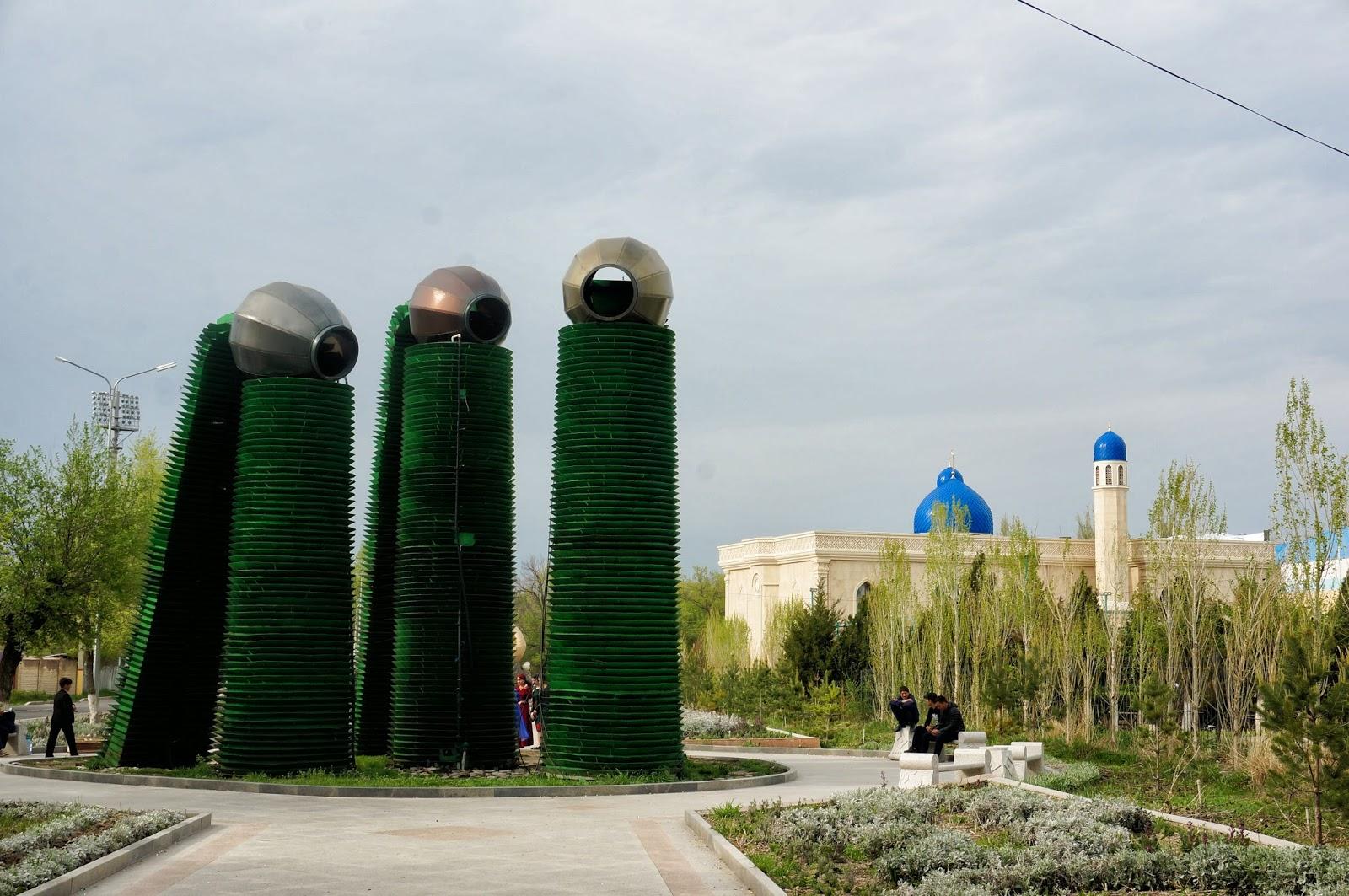 wyprawa do Kazachstanu, co zobaczyć w Kazachstanie, Kazachstan ciekawostki, zwiedzanie Kazachstanu, Kazachstan pomniki