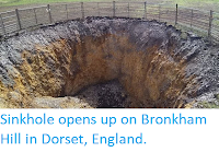 https://sciencythoughts.blogspot.com/2019/05/sinkhole-opens-up-on-bronkham-hill-in.html