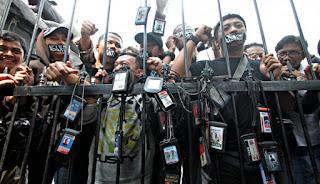 Sebanyak 56 Jurnalis Diintimidasi Saat Lakukan Liputan Aksi Demo, AJI: Polisi Pelakunya!