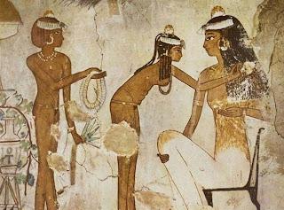 أكبر خطأ حضارى يقع فيه باحث الفنون فى التاريخ والآثار