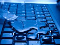 Cara Mengatasi Laptop Mati Terkena Air [Sharing Pengalaman]