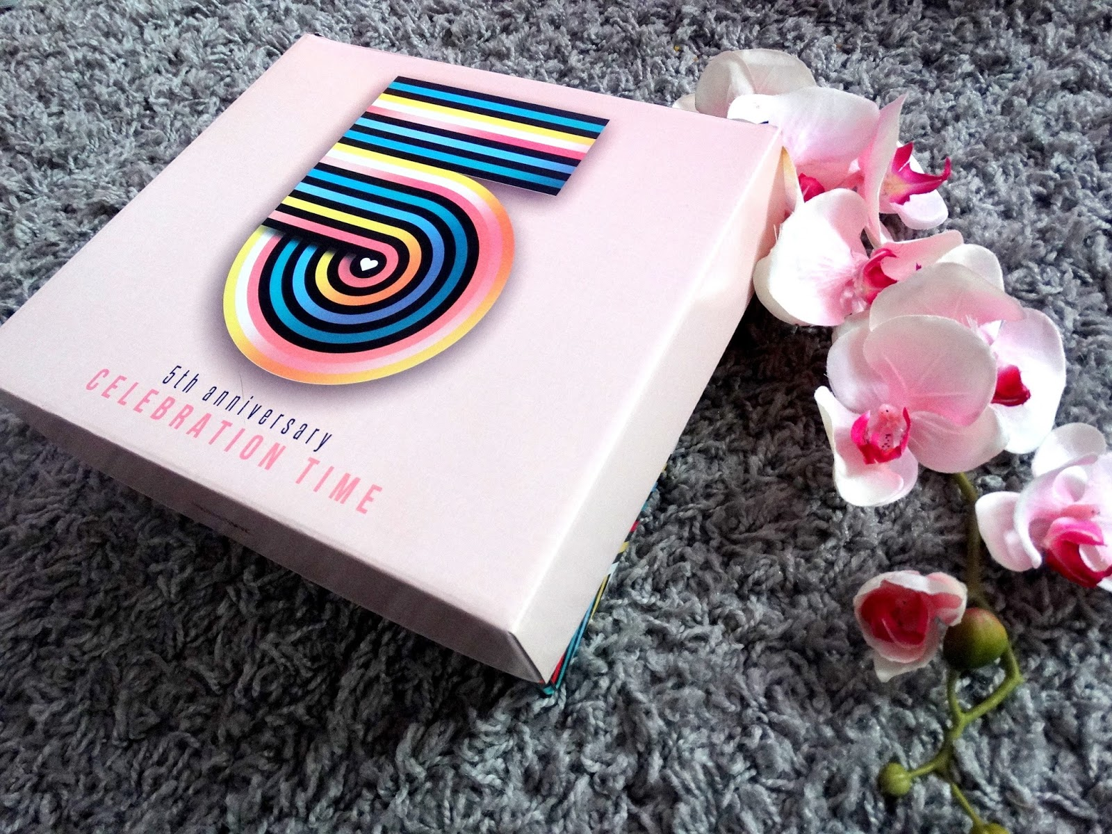 5TH ANNIVERSARY SHINY BOX 'Celebration Time'