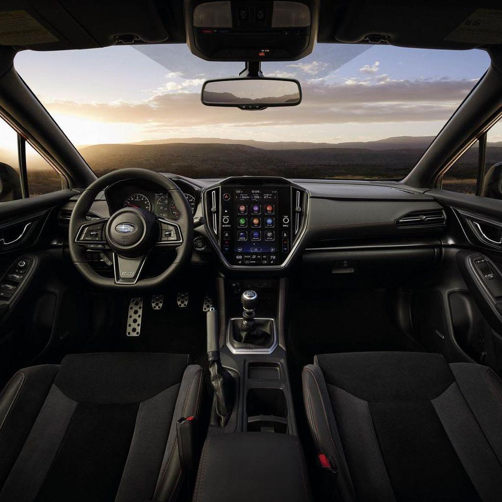 سوبارو دبليو آر إكس 2022 - مقصورة القيادة