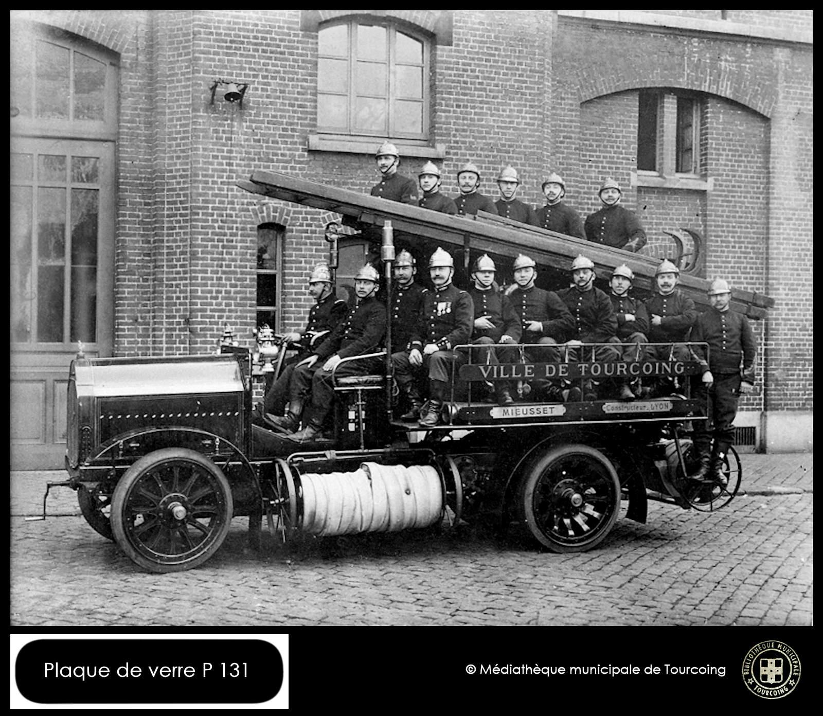 Camion de Pompiers, Autopompe Mieusset - Plaque de Verre,Tourcoing.