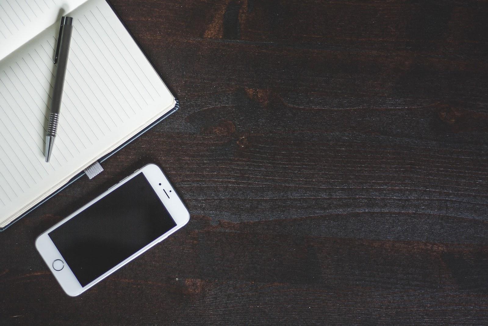 TELEFON JAKO NIEODŁĄCZNA CZĘŚĆ NASZEGO ŻYCIA / JAK JE CHRONIMY?