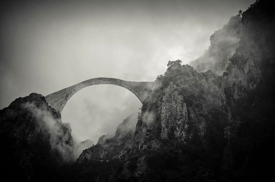 Pindos Mountains, Hellas - 20 Mystical Bridges That Will Take You To Another World