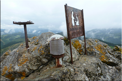 Cima del monte Garaio 574 m.