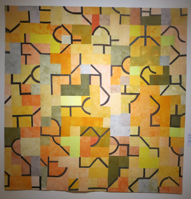 European Quilt Triennial - Zeichen in gelb by Ramona Conconi