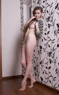 Casual Bottomless Girls - Emily%2BBloom-S02-021.jpg
