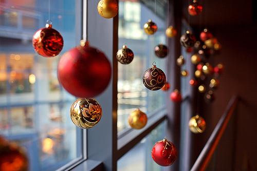B rbara kohls the cherry tale christmas decoration for Decoracion navidena para exteriores
