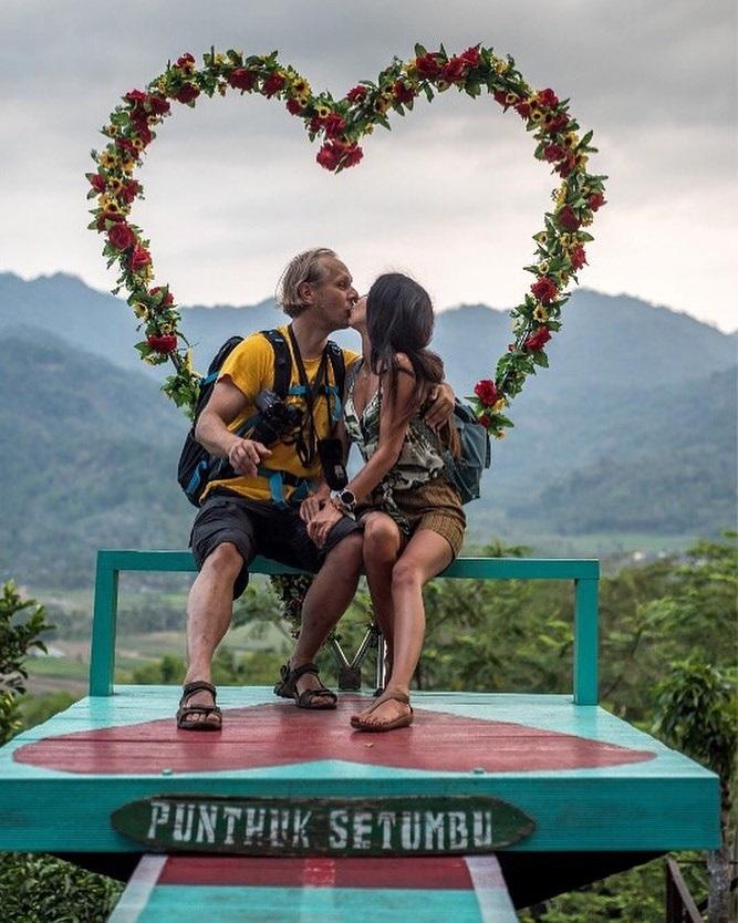 Spot Foto Romantis Punthuk Setumbu Magelang
