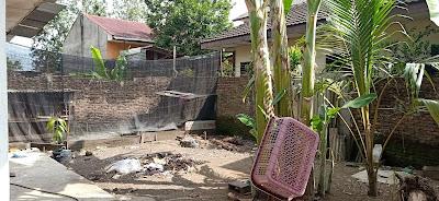 Halaman Belakang Rumah Murah Bangunan Lama Luas Tanah 420 m2 Dekat RS Adam Malik Medan Tuntungan Sumatera Utara