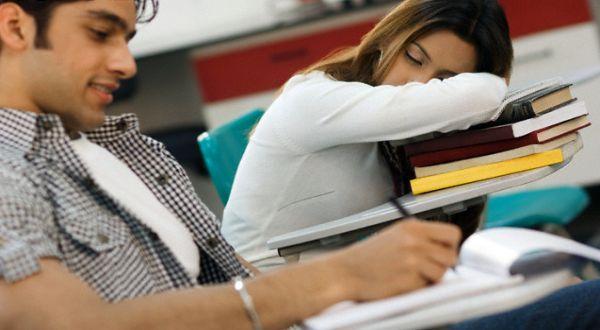 Cara Hilangkan Mengantuk Dalam Kelas Supaya Dapat Skor Peperiksaan