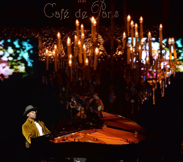 Alexis Ffrench at the Cafe de Paris (photo David Nelson)