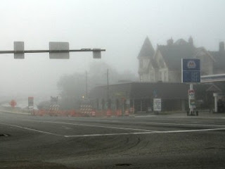 silent hill-foggy-intersection-creepy-traffic light