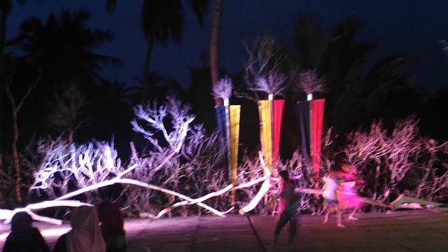 Suasana, Malam Ini, Di Pantai Sunari ,Selayar