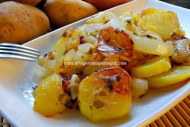 Papas a lo pobre el fog n de la perla gris for Cocinar patatas a lo pobre