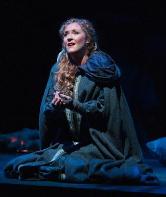 A comparison of carmen and micaela in the opera