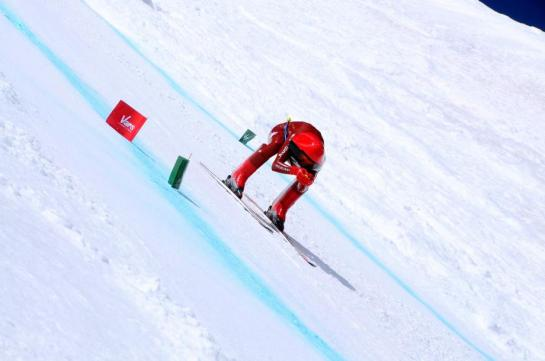 Nearly 255 km/h, he beat the new speed record on skis