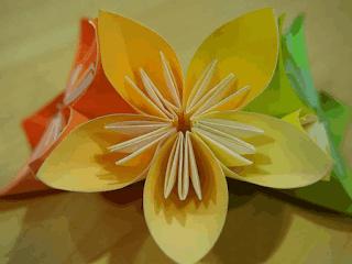 karya hiasaan bunga dari kertas origami www.simplenews.me