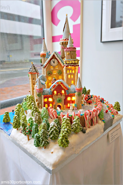 "Casitas de Jengibre en Boston: ""Gingerella's Confectionary Castle"""