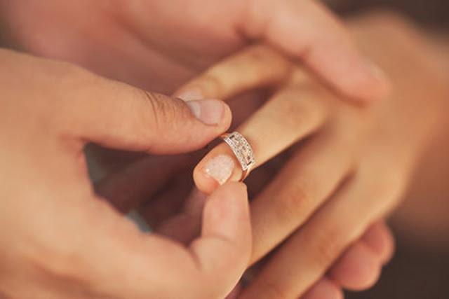 Perbedaan Lamaran (Khitbah) dan Pertunangan Dalam Islam Karena Jomblo Ngebet Pengen Nikah