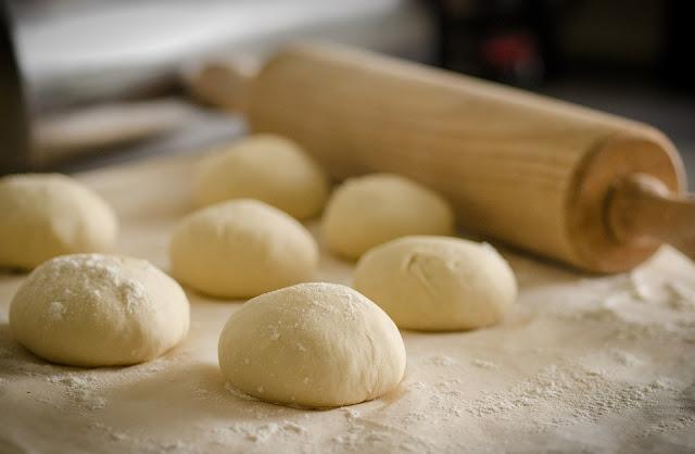 evde yapılmış ekmek hamuru