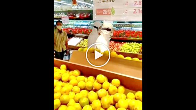 Viral Video Dua Pengunjung Supermarket Diusir Saat Belanja Pakai APD