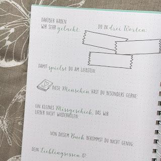 """""""Deine Geschichte beginnt hier"""" von ArsEdition, Eintragalbum von Geburt bis zum 18.Geburtstag, Rezension und Blick ins Buch bei Kinderbuchblog Familienbücherei"""