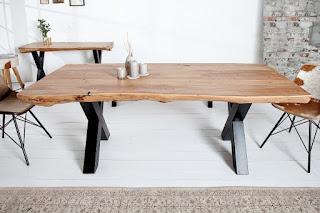 Designovi jídelní stůl drěvo a kov.