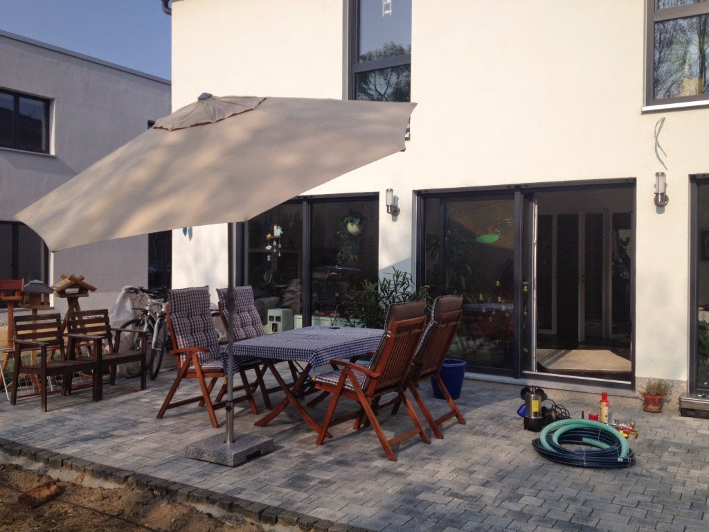 Top HuM's Baublog: Start Terrasseneinrichtung und -beleuchtung WS93