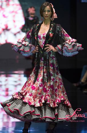 traje flamenca estampado y mantoncillo Lina 2016