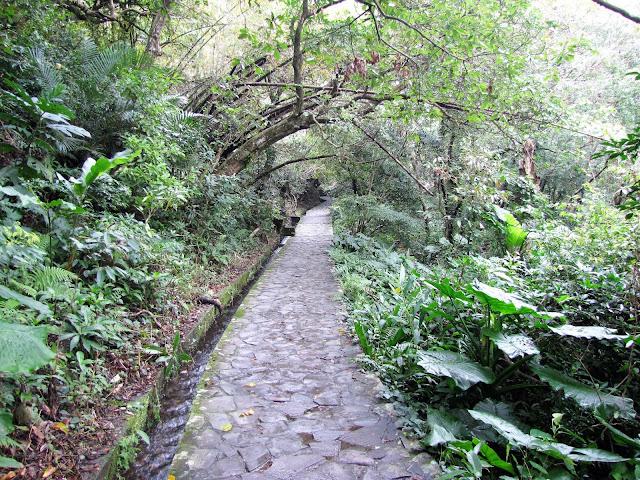 walkway houdongkeng waterfall yulan taiwan
