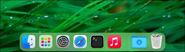 مثال على Mac Dock بدون عرض التطبيقات الحديثة.