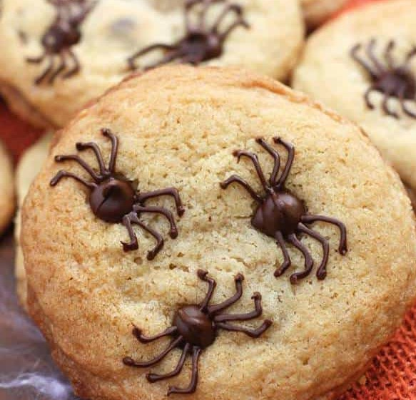 CHOCOLATE CHIP SPIDER COOKIES #desserts #halloweentreat