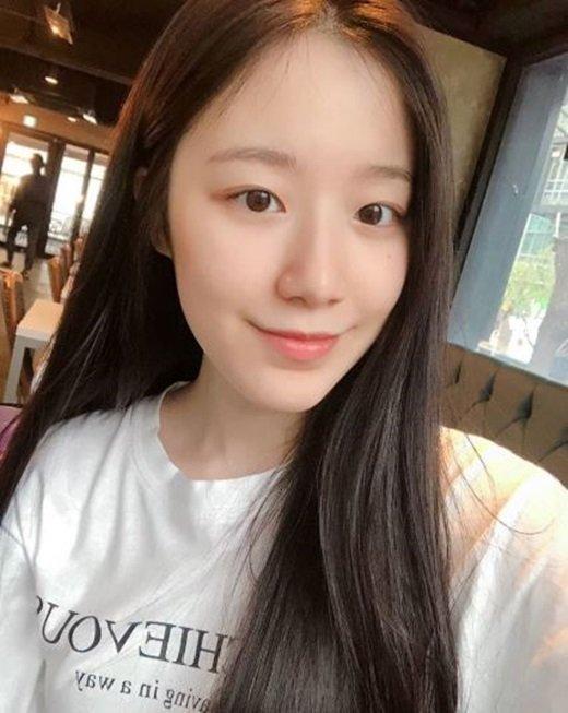 G-IDLE Shuhua, makyaj yapmak yerine doğal güzelliği tercih ettiğini açıkladı