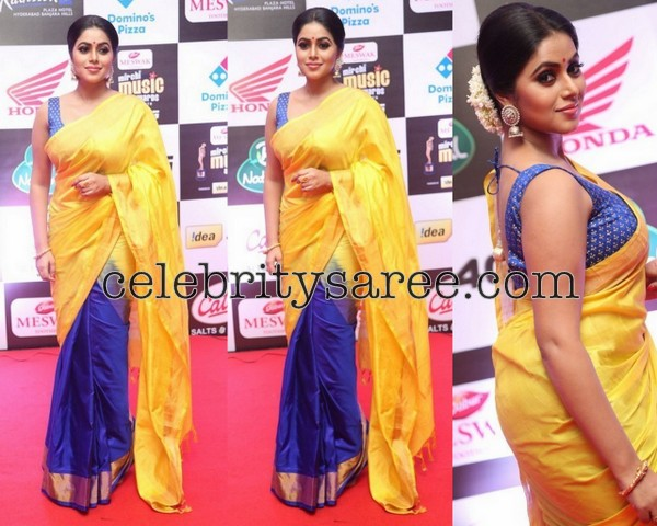 Poorna at Mirchi Music Awards