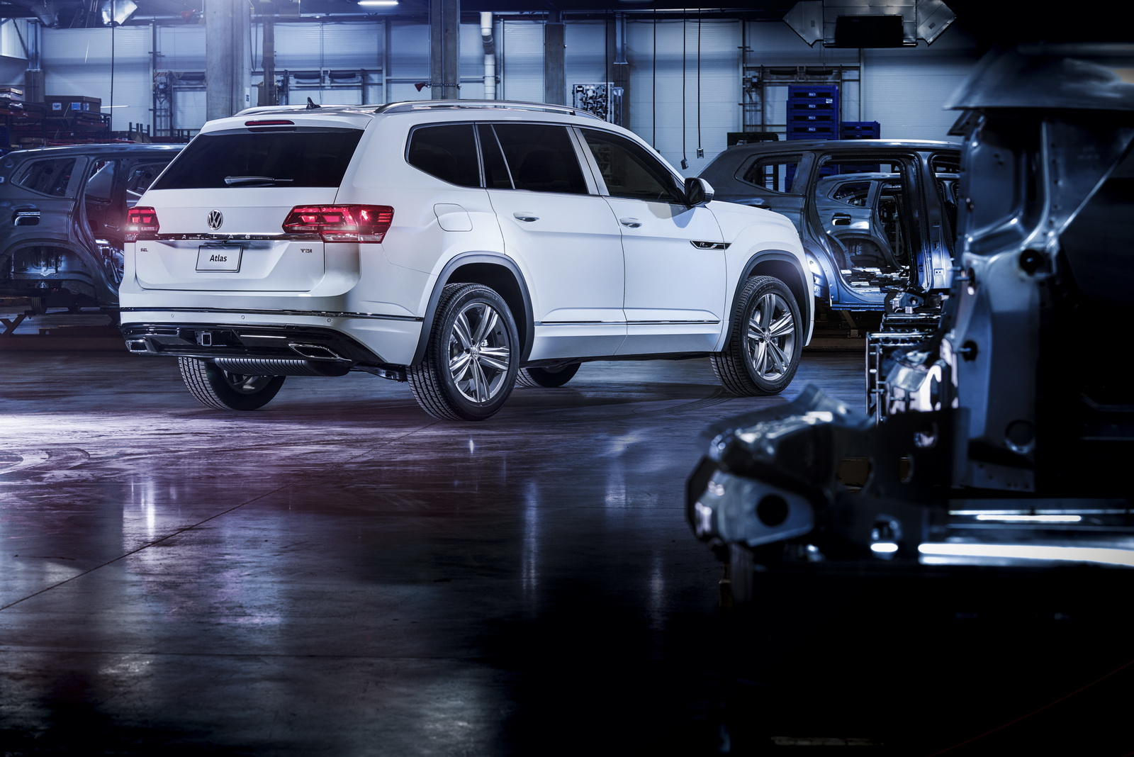 2017 - [Volkswagen] Atlas / Teramont - Page 8 VW-Atlas-RLine-05
