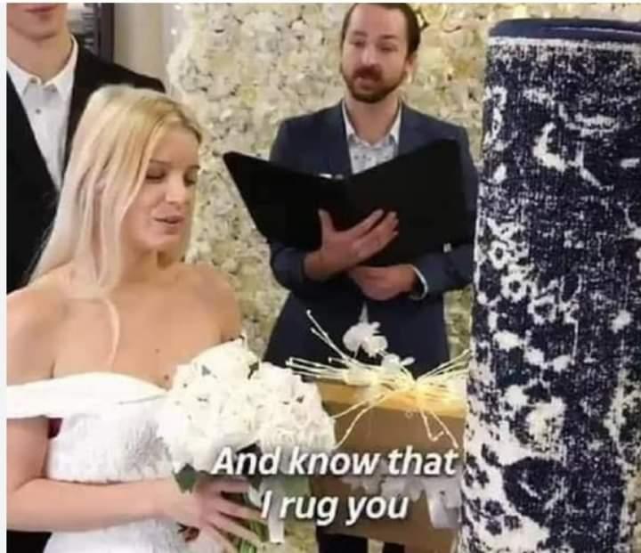 سيدة تثير الجدل بزواجها من سجادة