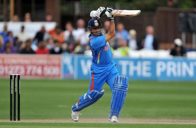 दुनिया के इन 4 बल्लेबाजों ने टेस्ट और वनडे दोनों में लगाए हैं दोहरा शतक