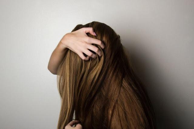 Penyebab Masalah Kulit Kepala Gatal