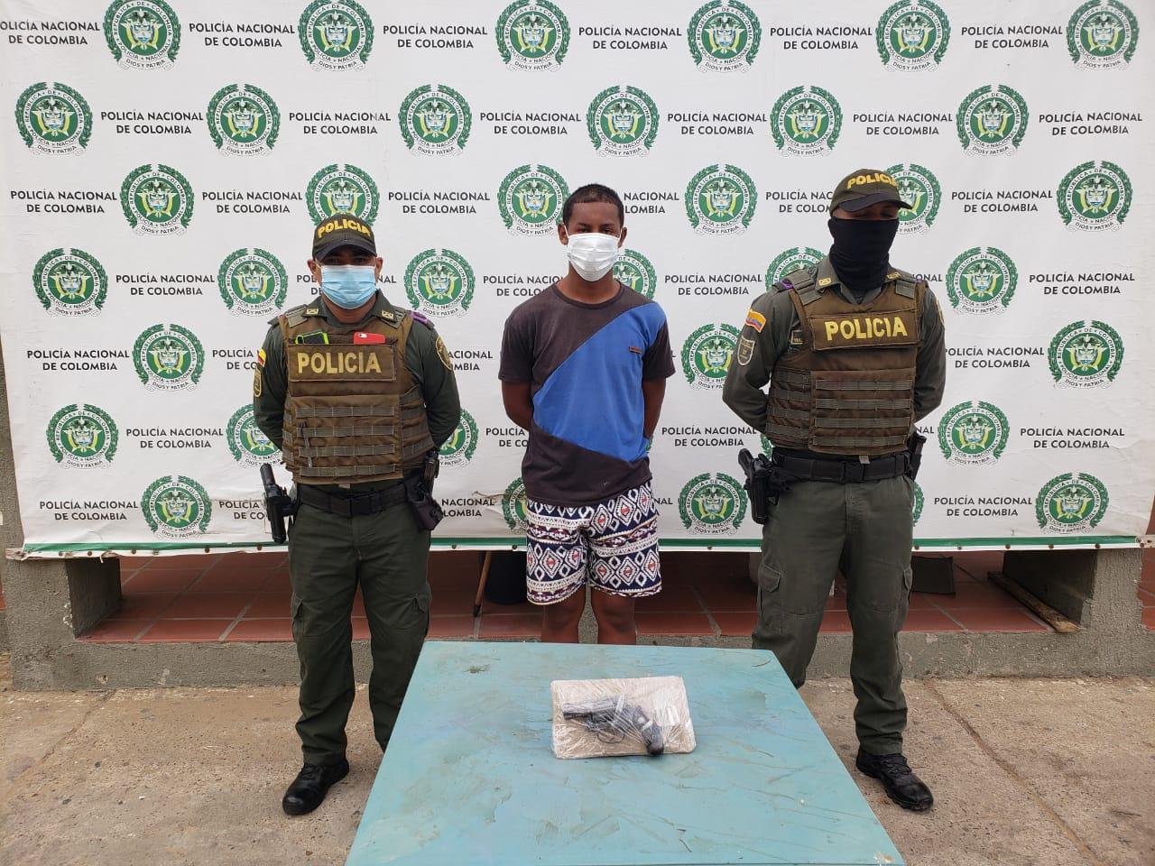 https://www.notasrosas.com/ Capturado en Maicao por Hurto, Tentativa de Homicidio y Porte Ilegal de Arma de Fuego