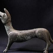 Пенсионеры с помощью металлоискателя нашли статуэтку пса, которой 1,5 тыс. лет