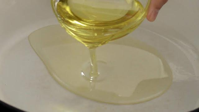 Heat oil in a heavy based pan