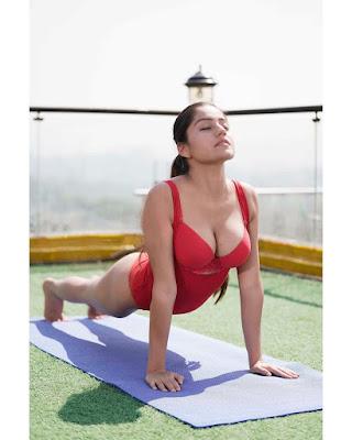 Simran Kaur Nude Photos