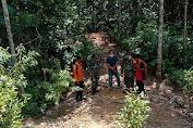 Babinsa Bersama Warga Melaksanakan Patroli Karhutlah Di Wilayah Desa Binaan