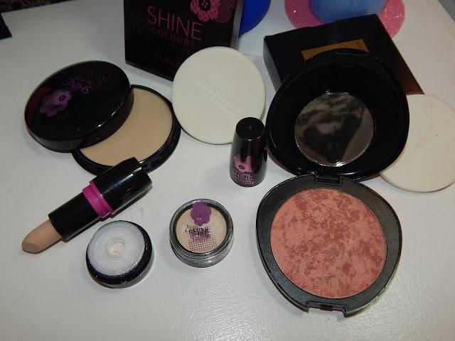 Recebidos Abelha Rainha: Maquiagem
